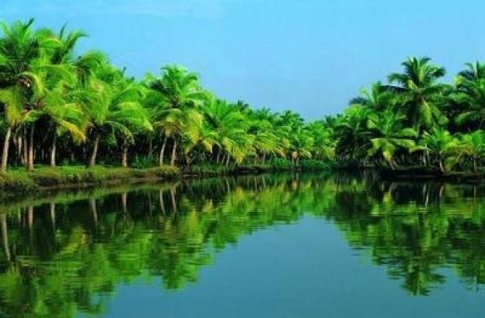 Kerala and its Houseboats